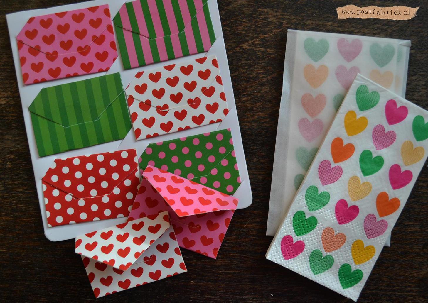Mini envelopjes en zakdoekjes