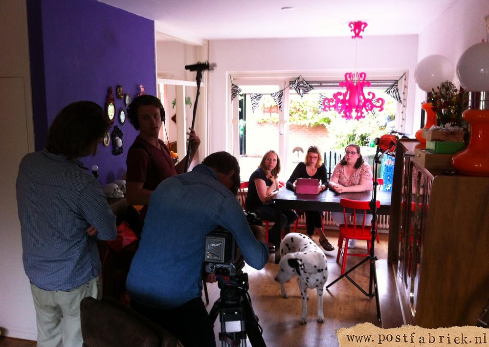 De dames van de Postfabriek hadden een hele spannende dag! Er kwam een heuse cameraploeg op visite!