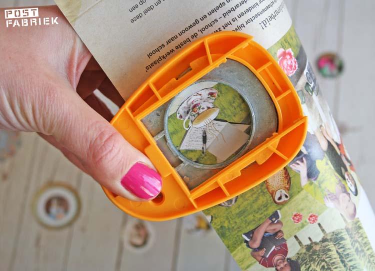Met een ronde pons maak je eenvoudig sluitstickers. Ideaal om plaatjes die te klein zijn om met een schaar uit te knippen toch te kunnen gebruiken.