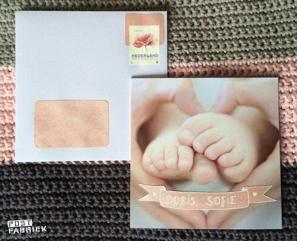 Biri Publications kaart met babyvoetjes