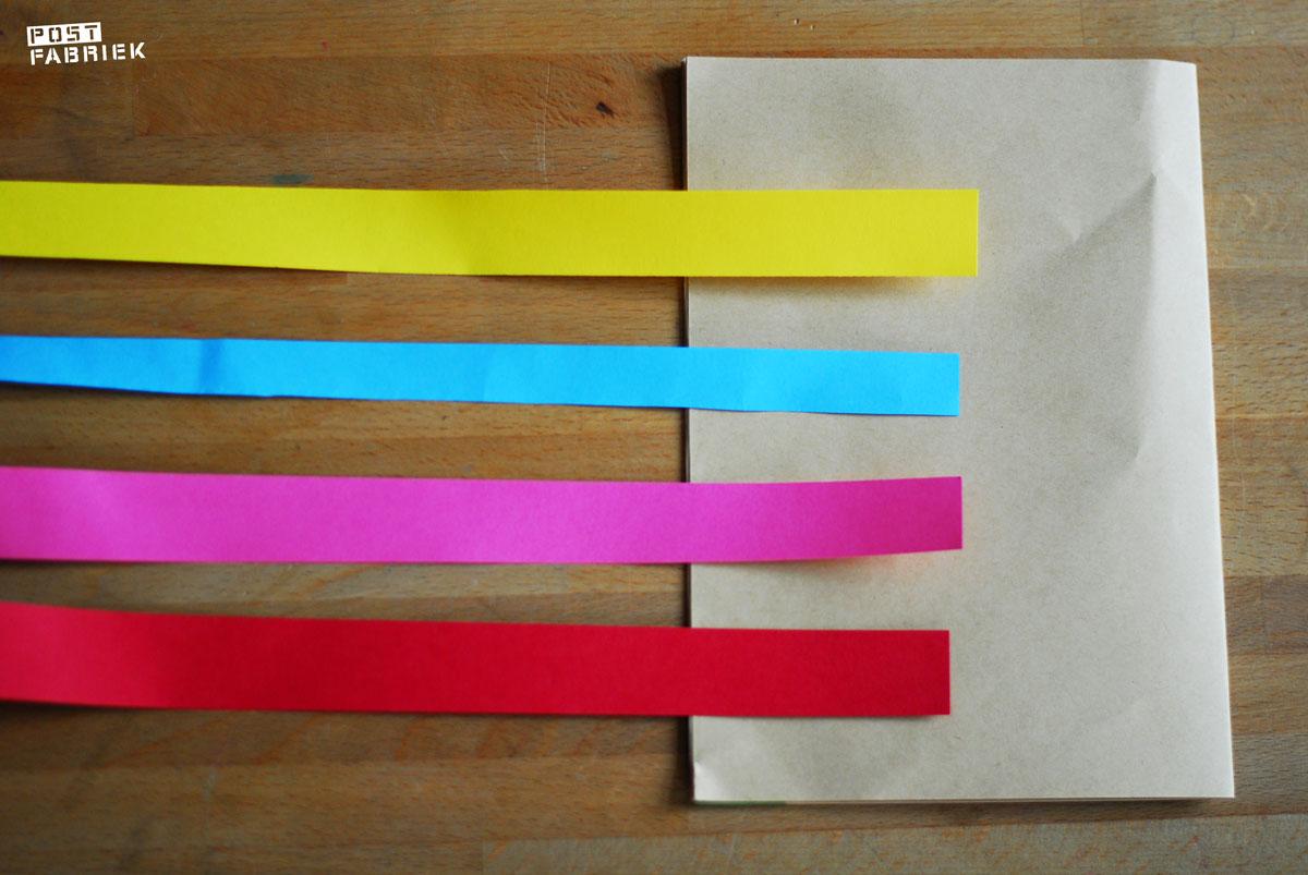 Vier stroken papier