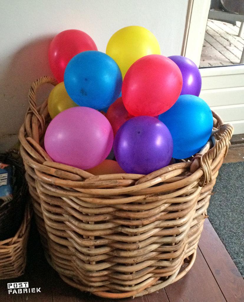 Een mand vol ballonnen ipv hout!