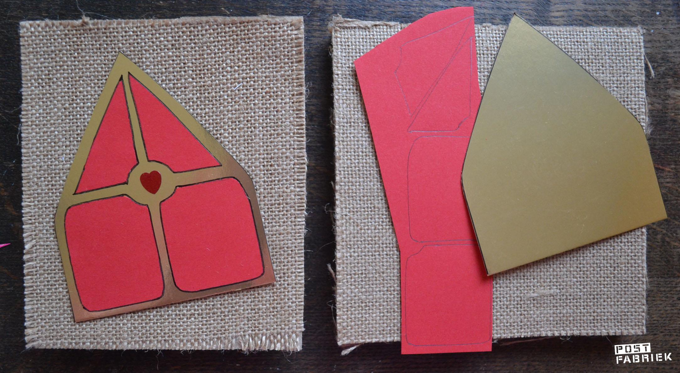 Een mijter uit goud en rood papier op jute papier