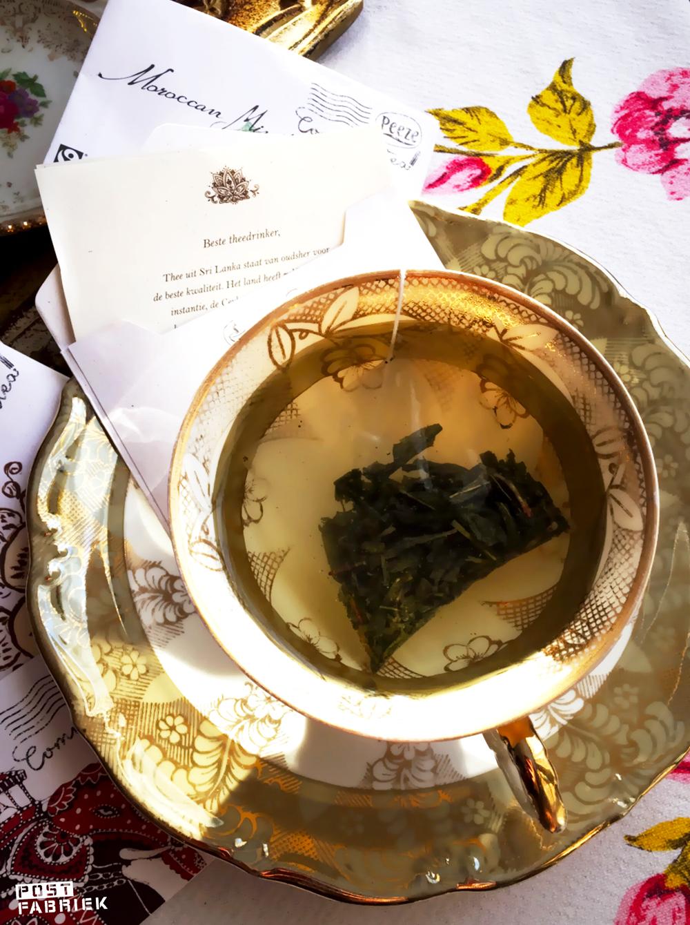 'Post uit Sri Lanka' om een verbinding te maken tussen theedrinker en land van herkomst.