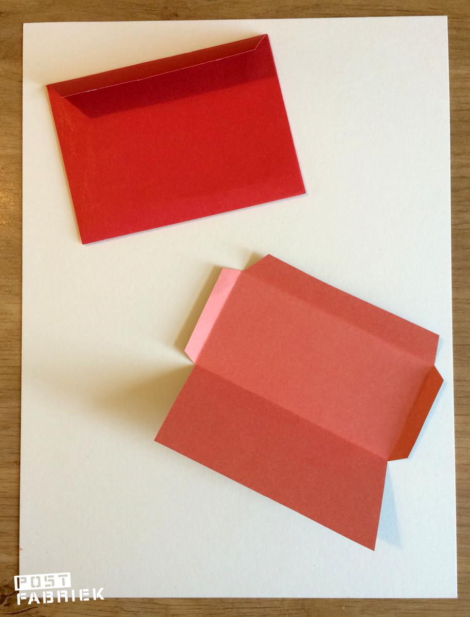Uit de losse hand knipte en vouwde ik envelopjes in verschillende formaten