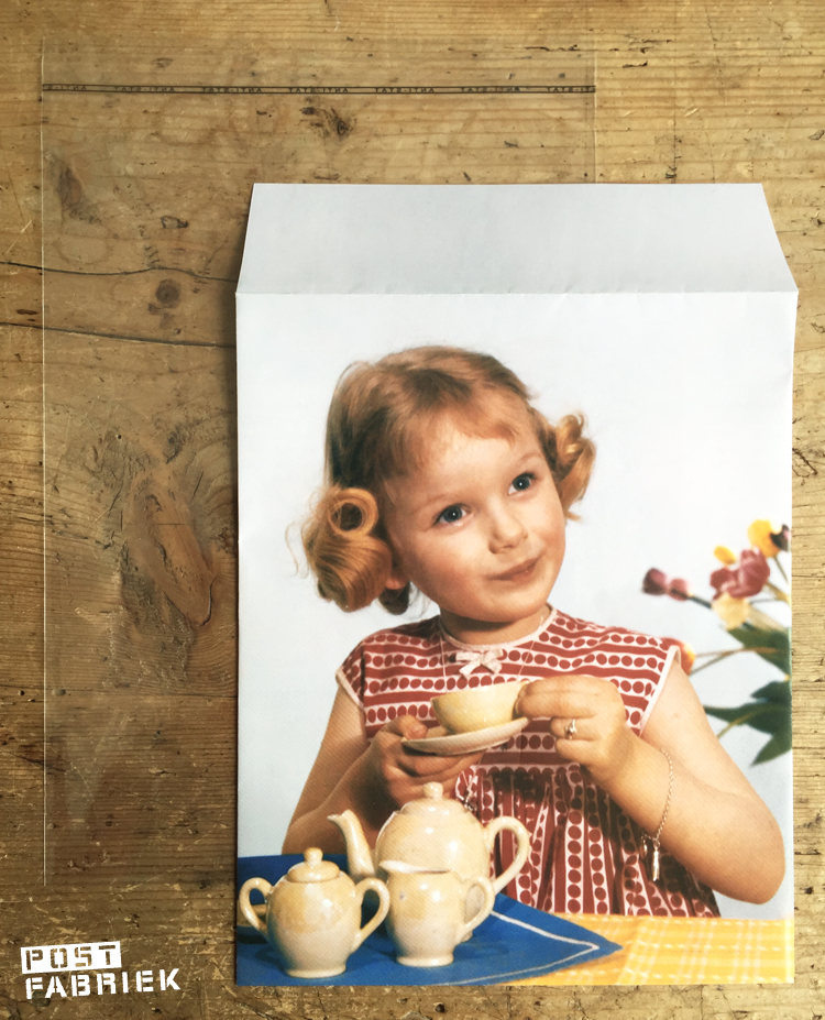 Een zelfgemaakte envelop en het grootste wenskaartzakje van Moniss
