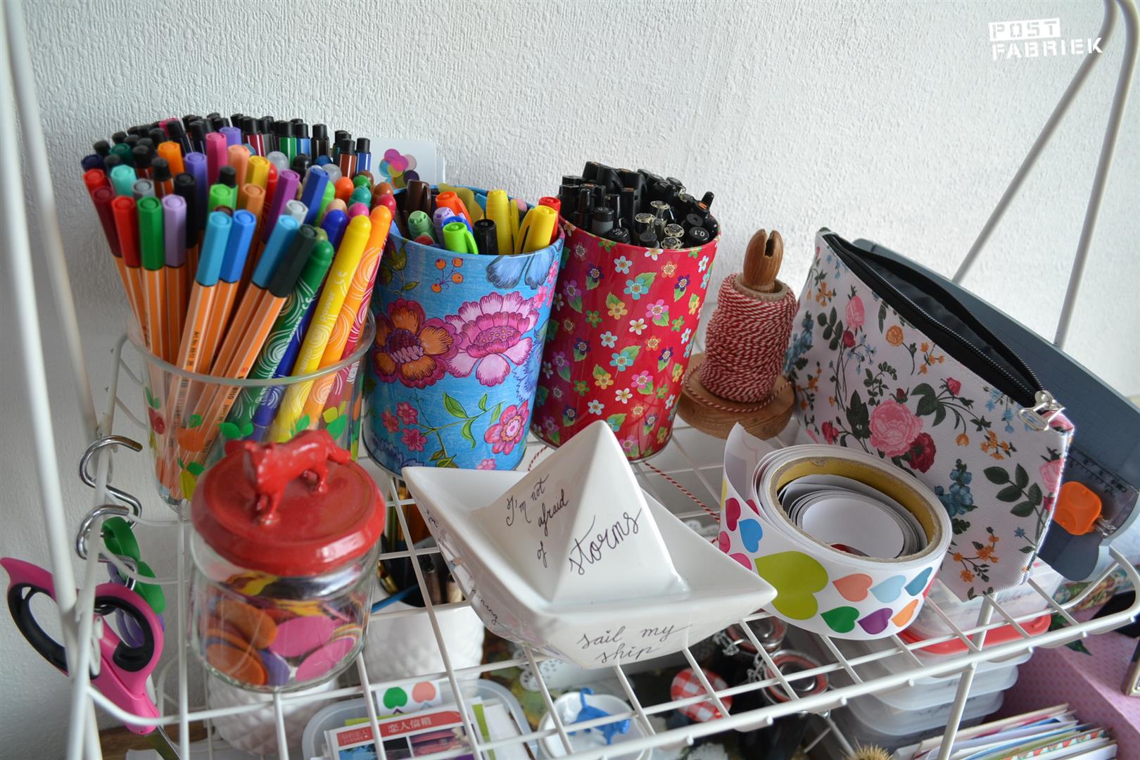 Potten met pennen
