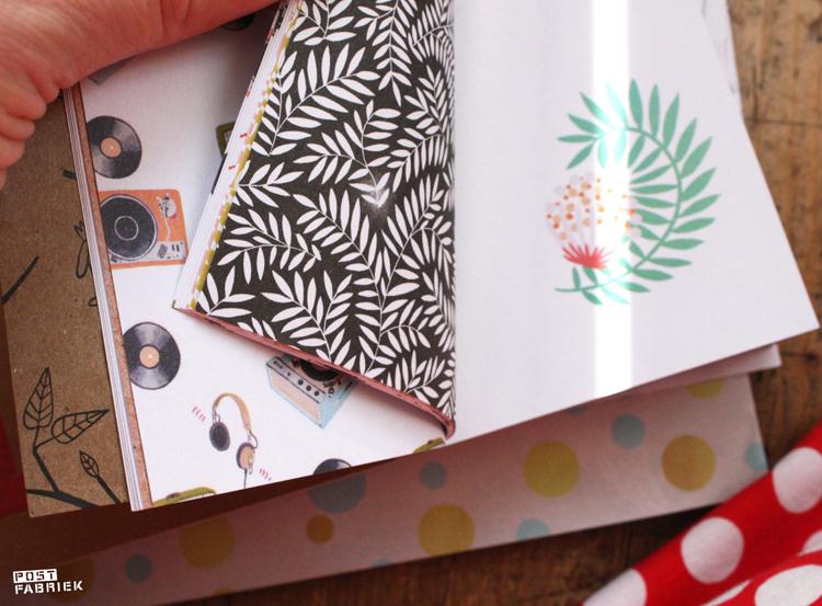 Briefpapier met verschillende prints en aan beide kanten bedrukt uit het Flow Book for Paper Lovers