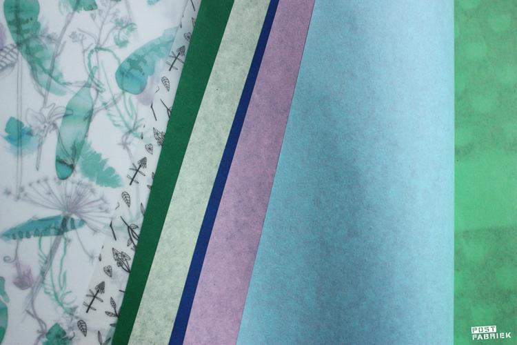 Doorzichtig papier en vloeipapier in verschillende kleuren in het Flow Book for Paper Lovers