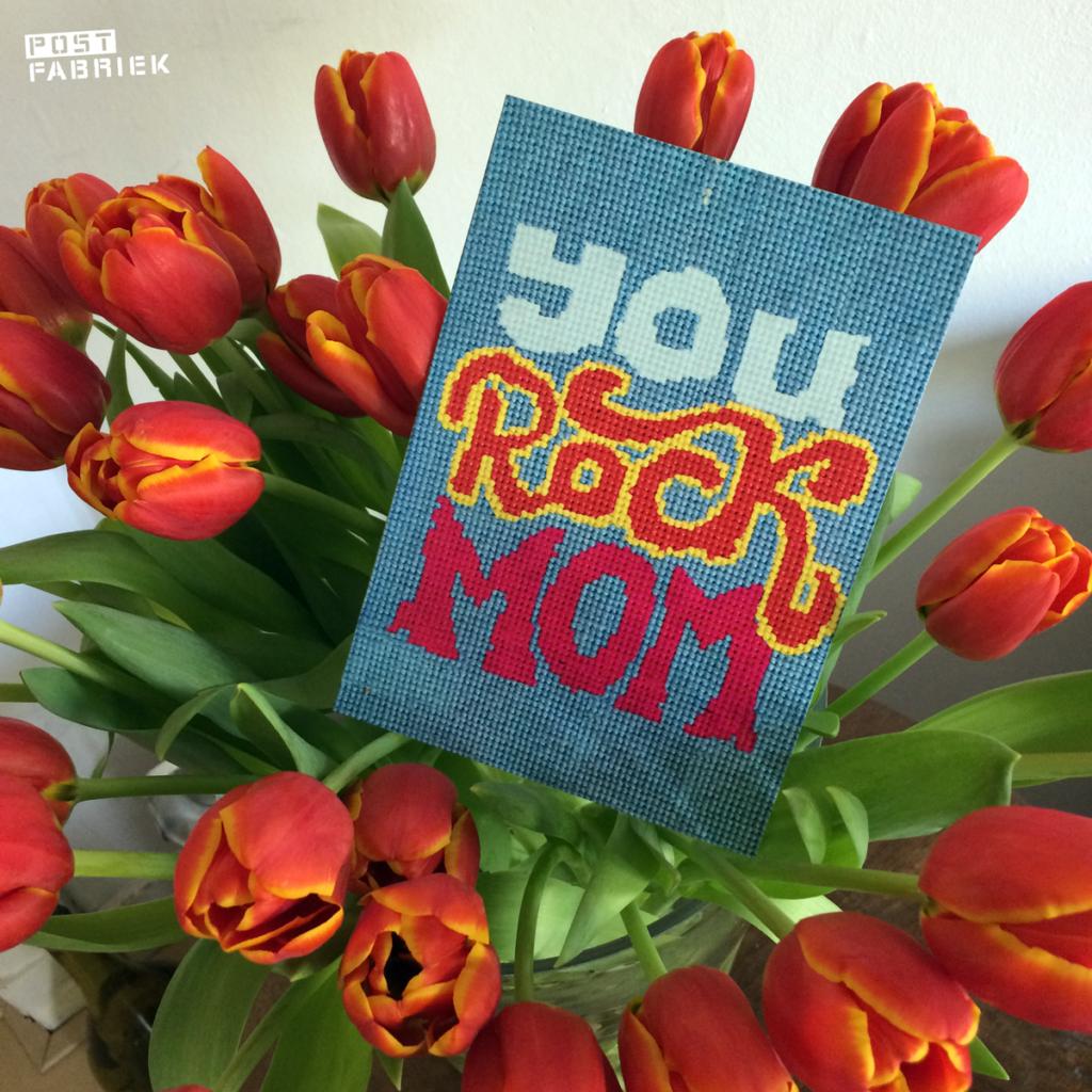 """Een stoere kaart uit de collectie van Studio Stroom met """"You Rock Mom"""""""