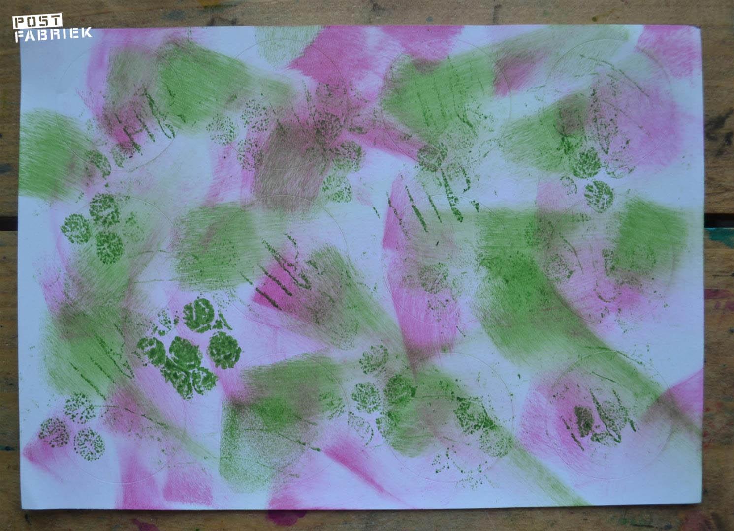 roze en groene vegen