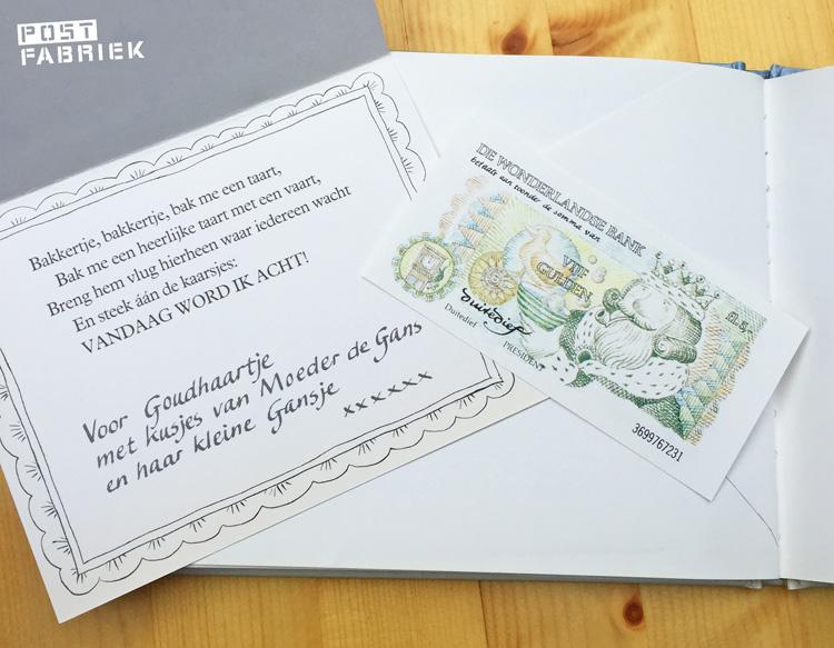 Zo krijgt Goudhaartje een verjaardagskaart met een briefje van vijf gulden erin.