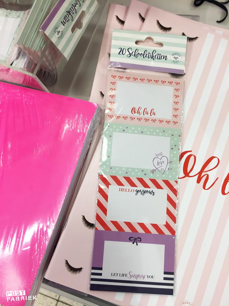 Een set van 20 labels van BeautyNezz bij HEMA