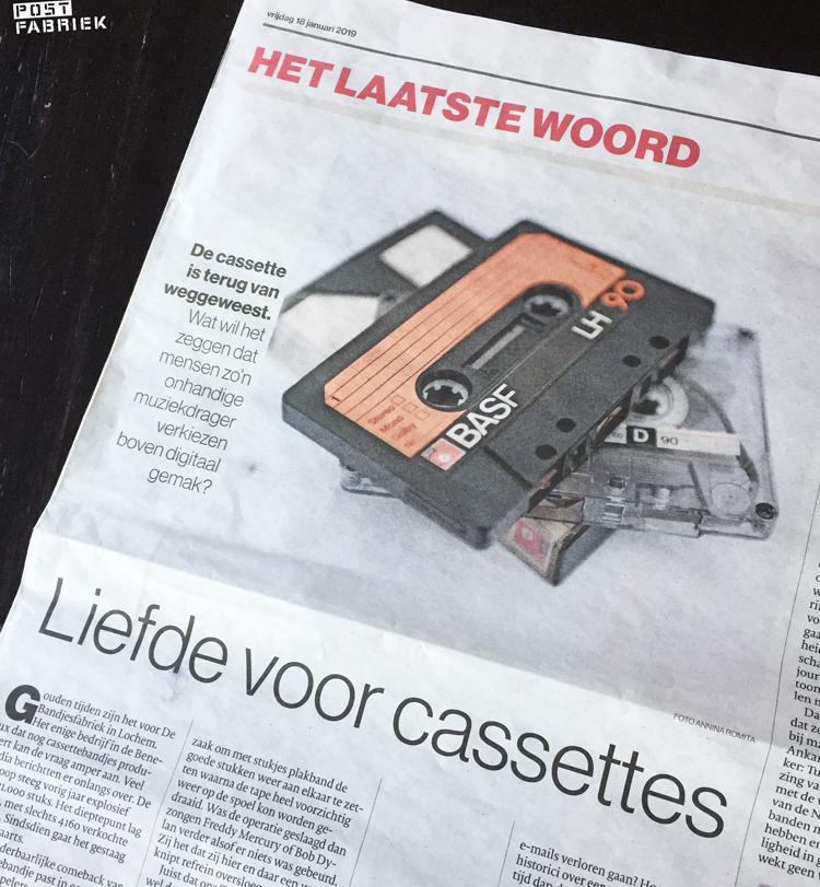 Foto van Foto van het artikel over liefde voor cassettes van Marten de Jongh  in de Tubantia van vrijdag 18 januari