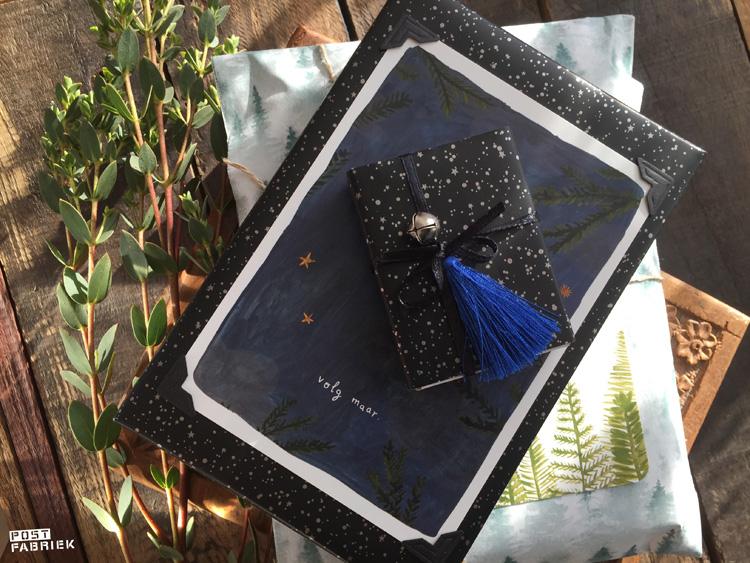 Cadeautjes in cadeaupapier met sterren van 'Vlinders in je buik' en de prachtige kaartjes van 'Ninamaakt'.