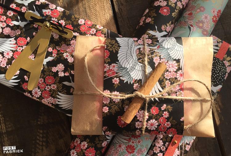 Verschillende cadeautjes ingepakt in het prachtige Kimono papier.
