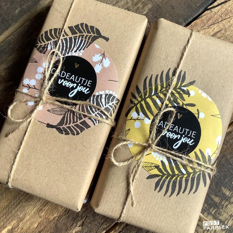Cadeautjes verpakt met papieren moois van Vlinders in je buik.