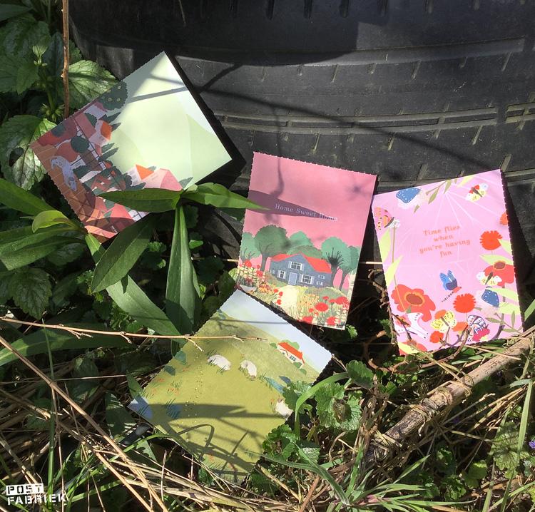 Kleine kaartjes uit het Flow Paper Book for Nature Lovers met illustraties van Lotte Dirks.