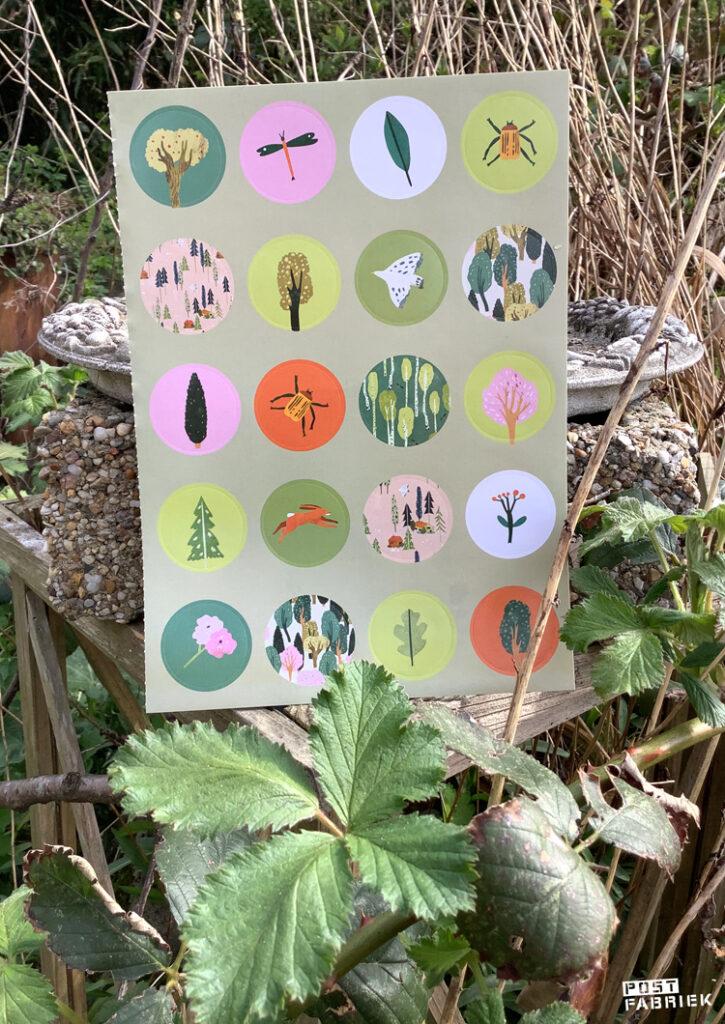 Ronde stickers met illustraties van Lotte Dirks.