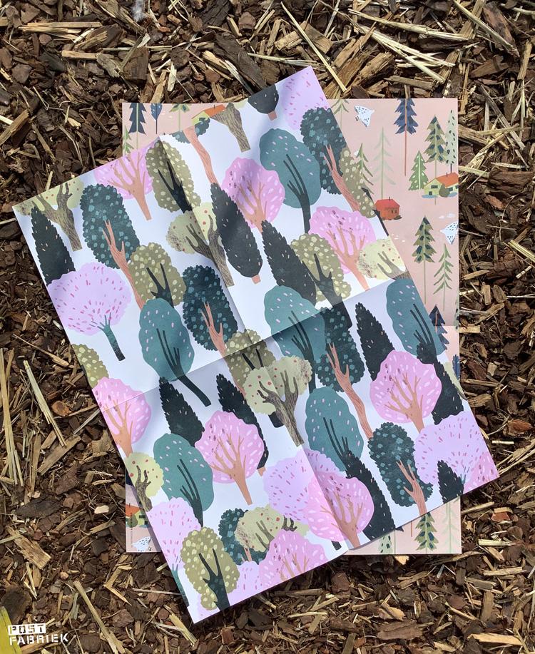 Grote vellen cadeaupapier uit het Flow Paper Book for Nature Lovers met patronen van Lotte Dirks.